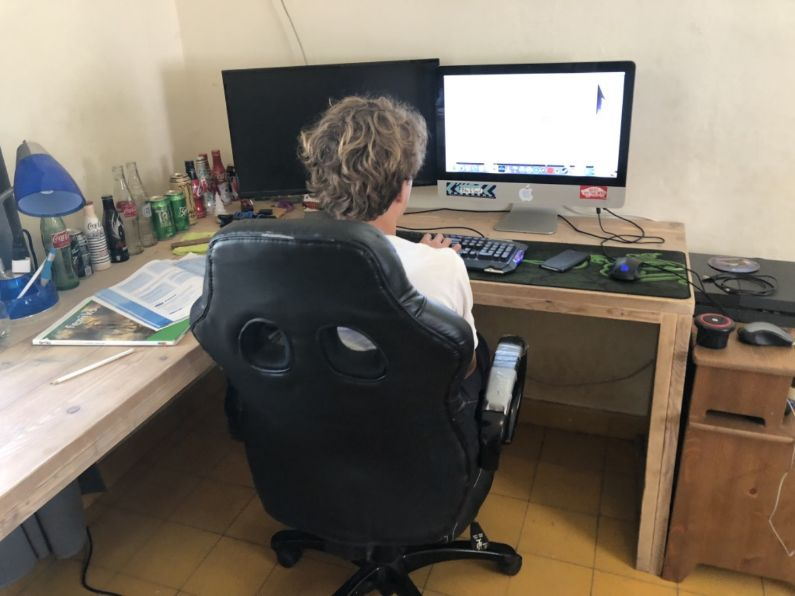Online voortgezet onderwijs nederlandse taal