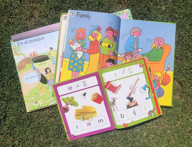 Het leren lezen en schrijven in meer talen tegelijk